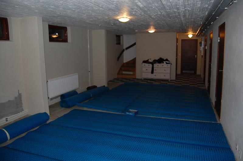 lägga golv i källare